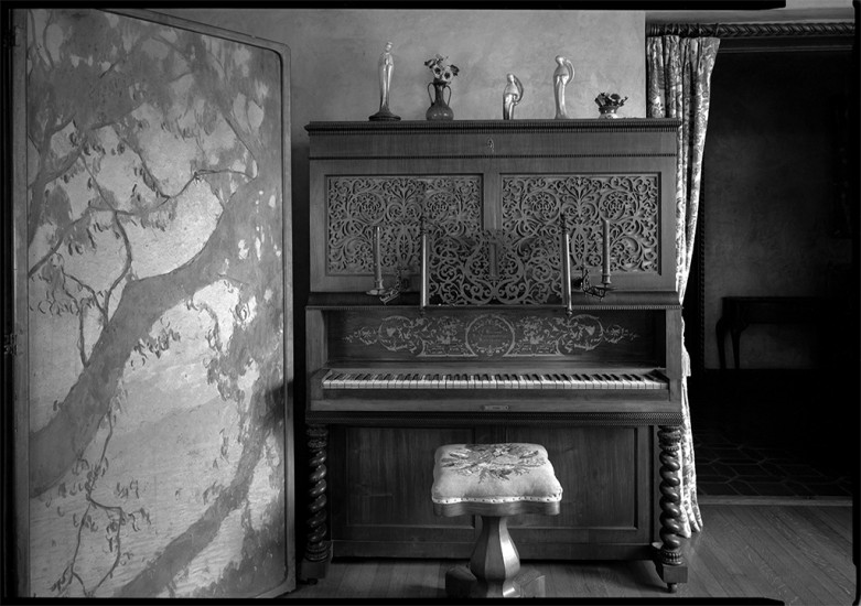 Piano, Baldwin Home, Makawao, Maui, HI 2001 © David Ulrich
