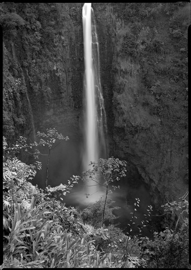 Akaka Falls, Big Island, HI 1986 © David Ulrich
